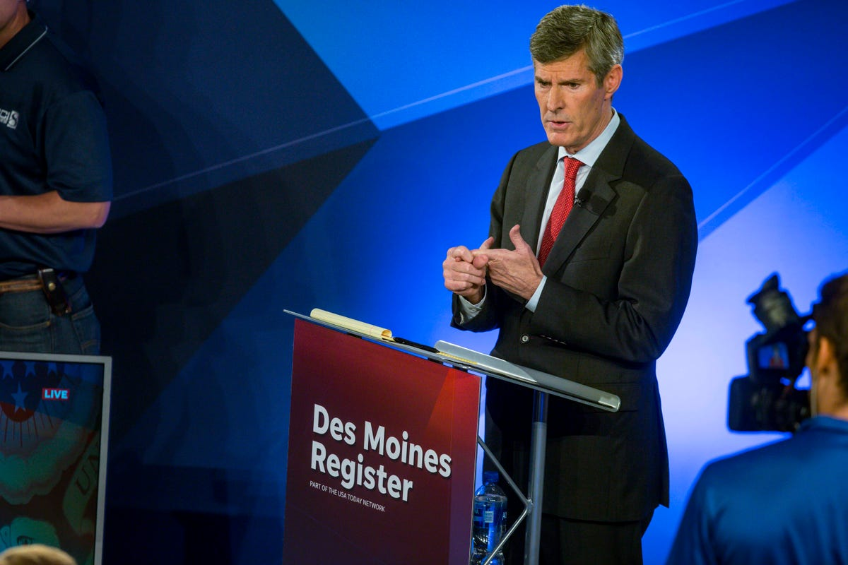 Fred Hubbell recounts hijacking during debate against Kim