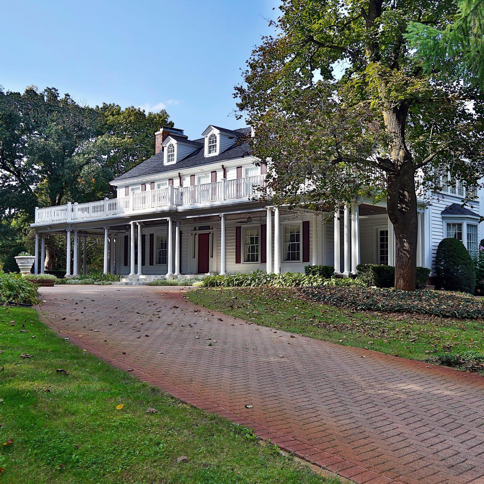 House Envy: Joe Louis was once a guest at this Novi estate