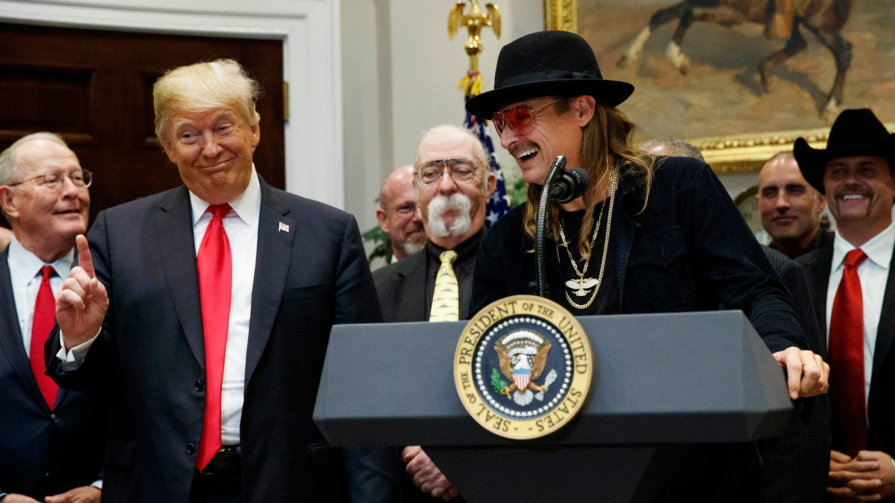 Heres Who Trump Invited To White House >> Kid Rock Spotted At The White House Here S What We Know