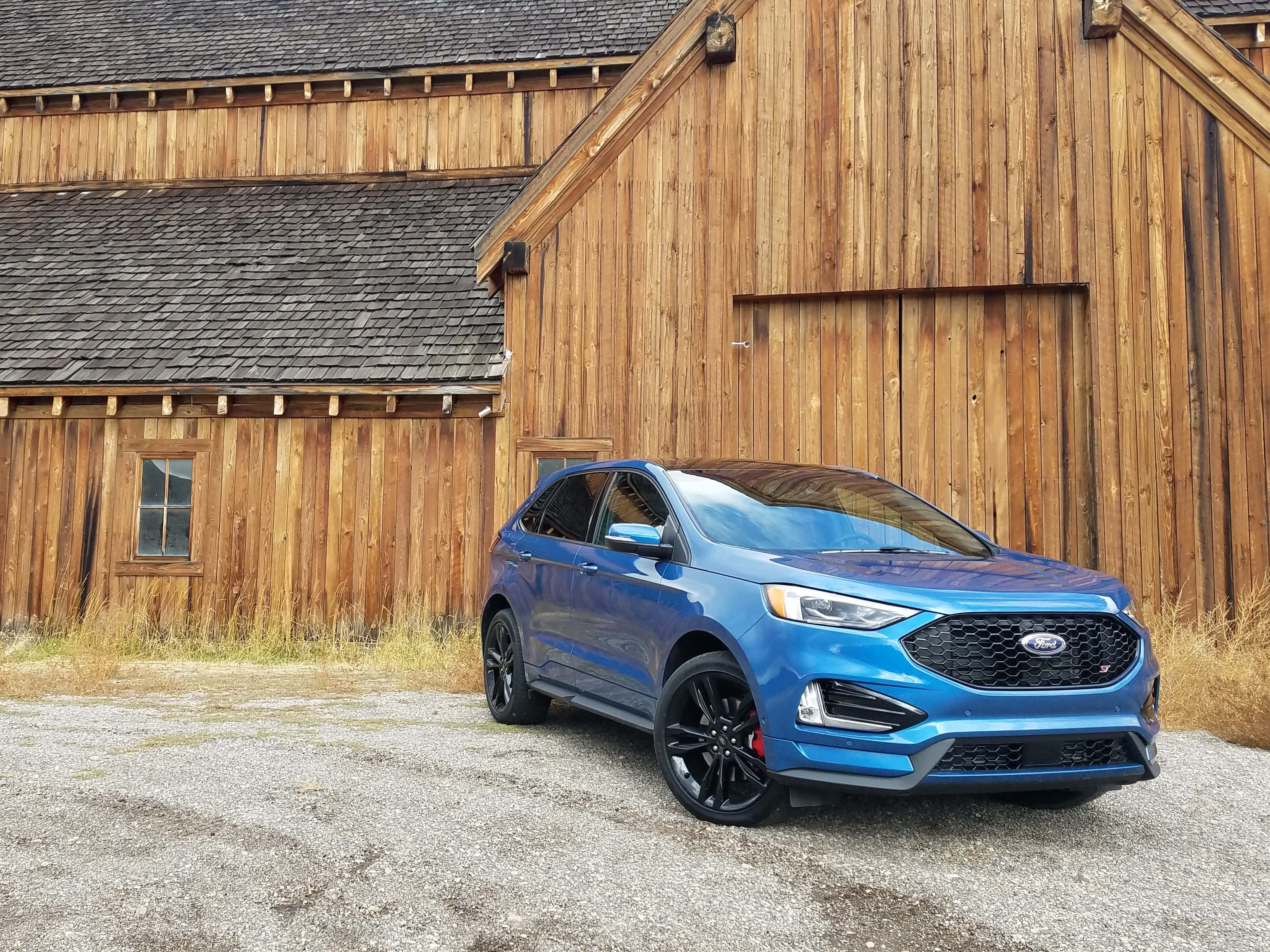 The 2019 Ford Edge ST is about more than power. Stiffer springs and bigger, thicker sway bars damp body roll for better cornering.