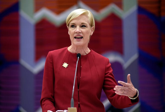 Cecile Richards, past president of Planned Parenthood Federation of America, addresses a crowd as the keynote speaker at the Women of Vision benefit held at Adat Shalom Synagogue in Farmington Hills Thursday.
