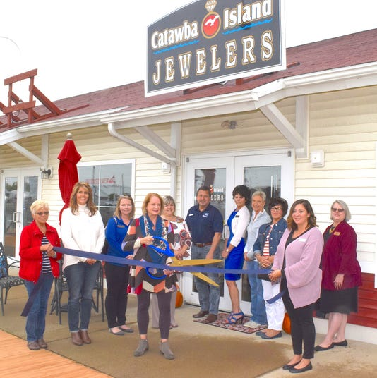 Catawba Island Jewelers Ribbon Cutting