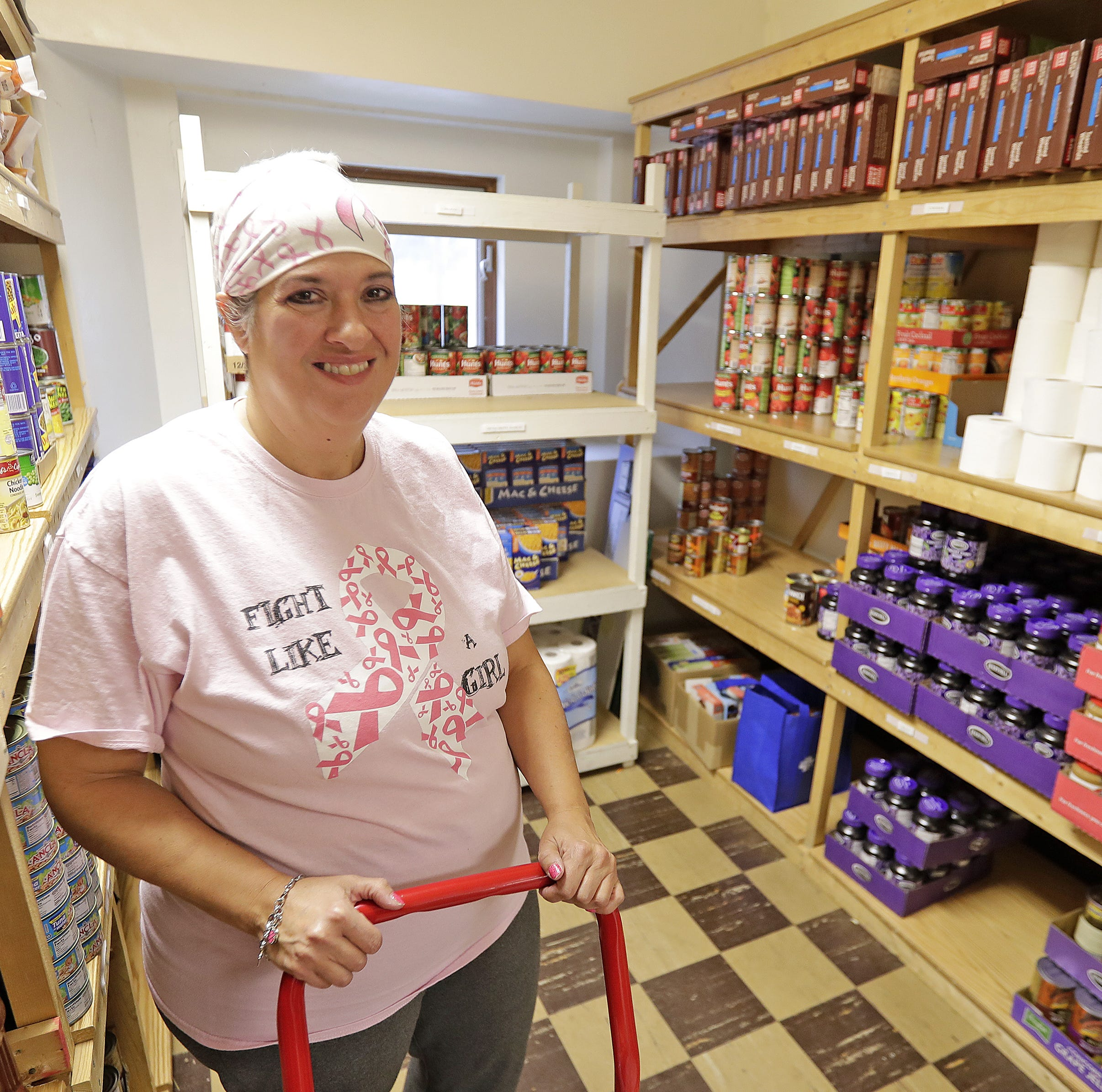 'Coming full circle': Green Bay woman goes from food insecurity to giving back to others