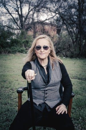 Melissa Etheridge will sing the national anthem and perform at halftime of the Green Bay Packers-San Francisco 49ers game on Monday night at Lambeau Field.