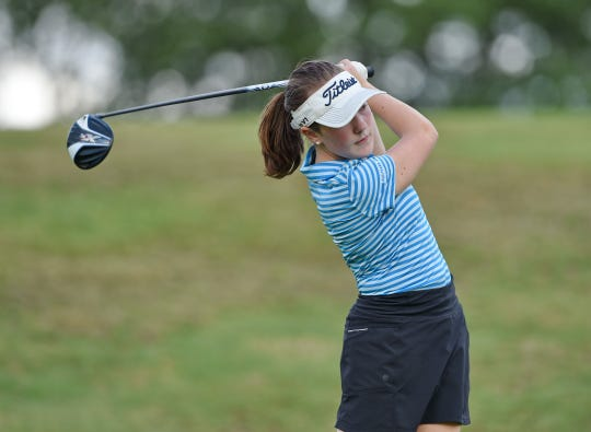 """St. Joseph's eighth-grader Marett Cole finds similarities between her cancer treatments and golf: """"You have to keep fighting."""""""