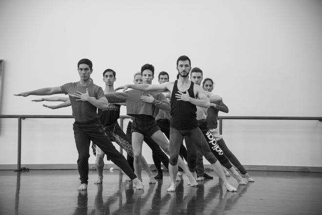 "Louisville Ballet dancers rehearsing a piece from ""Mozart."""