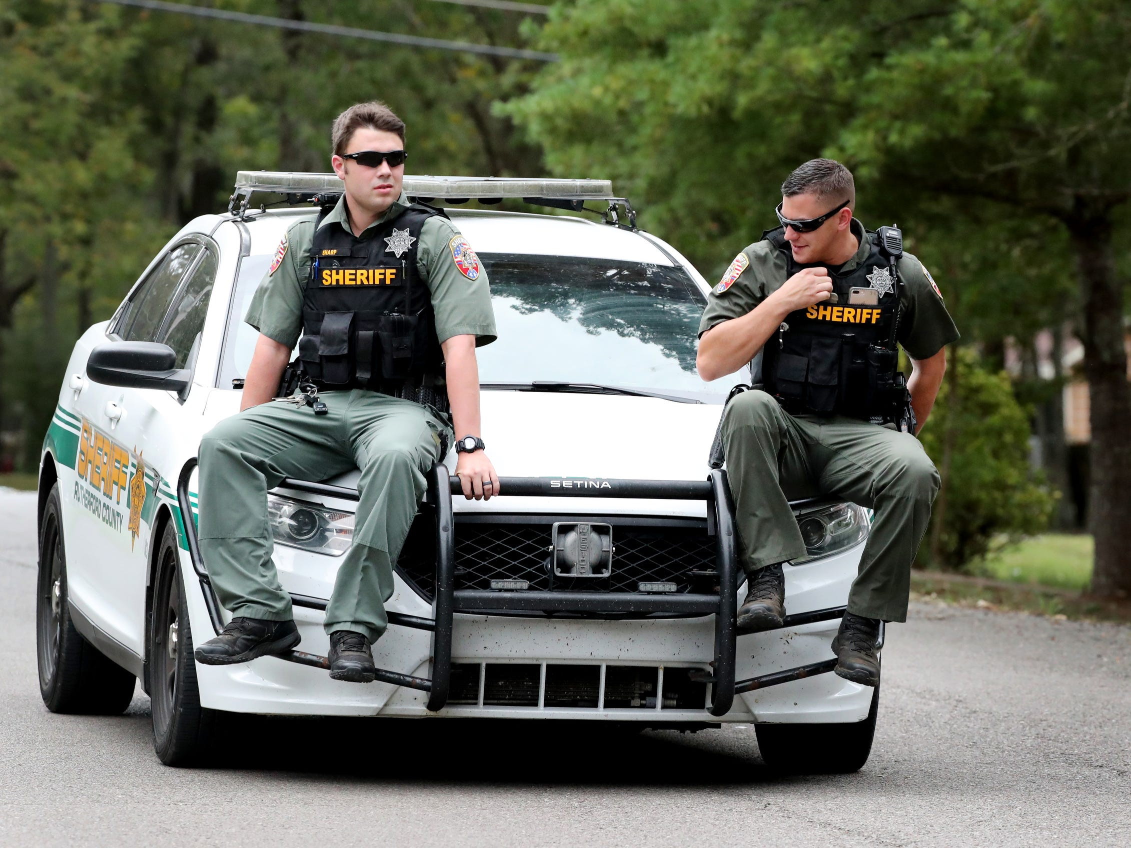 The Rutherford County Sheriff's deputies, and other law enforcement agencies searched for two escaped inmates near Baker Road Wednesday, Oct. 10, 2018.