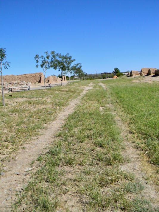 1 El Camino Real