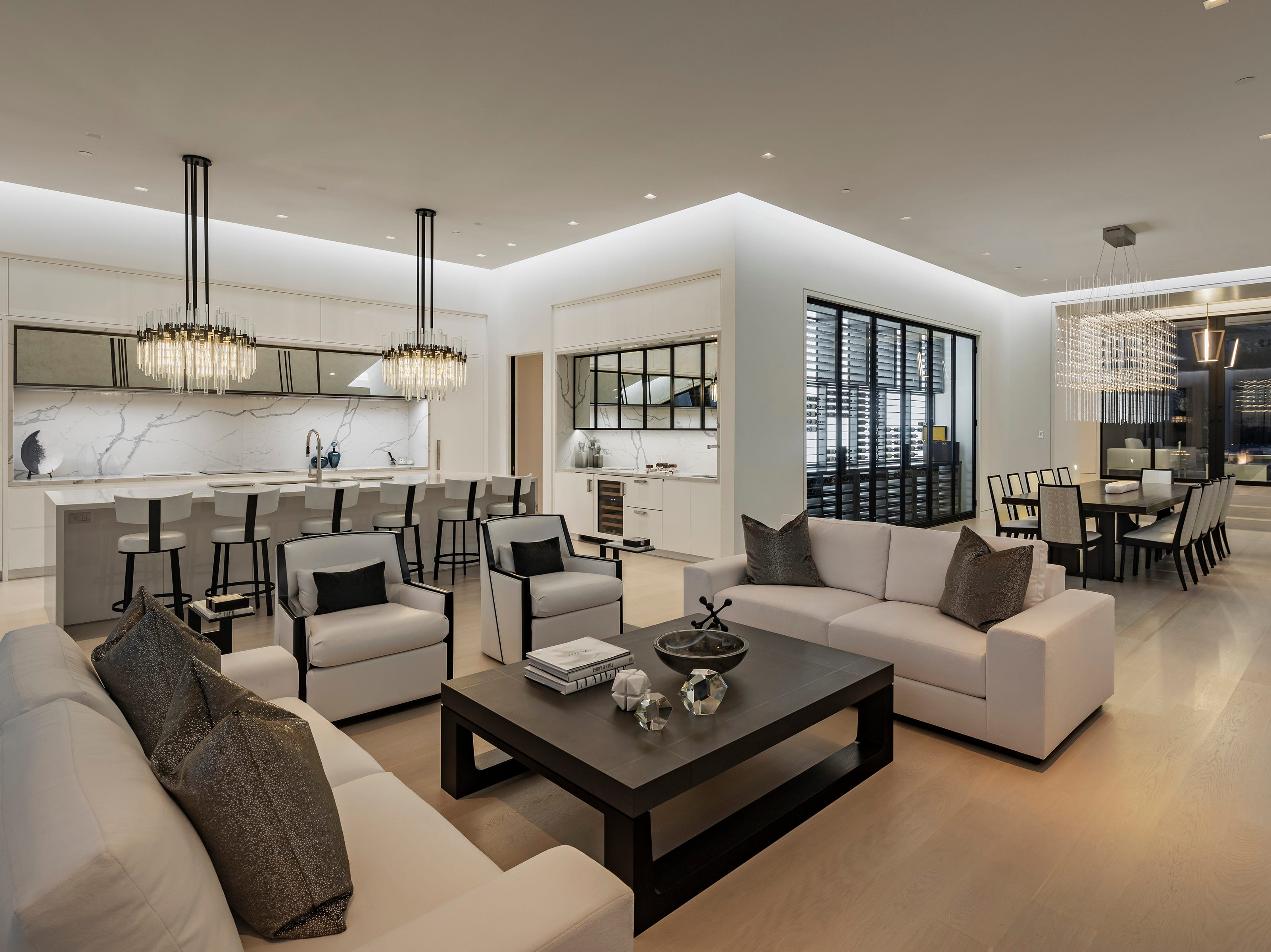 The home was recently renovated by its owners, billionaire oilman and Portland Winterhawks hockey team owner William Gallacher and Joanne Stansfield.