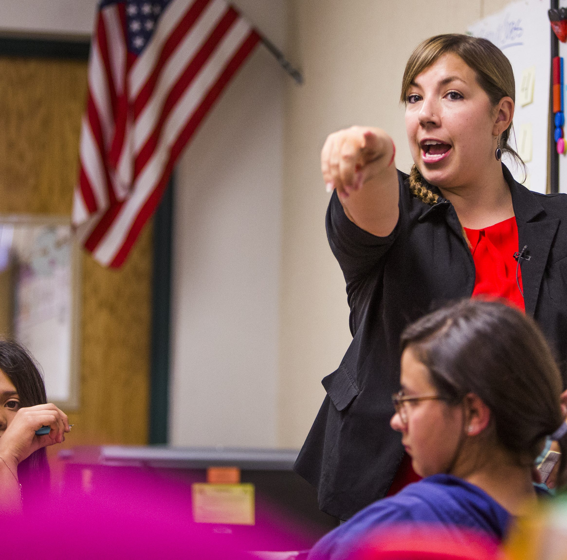 'I'm tired': Phoenix teacher fights to lead her classroom and #RedForEd