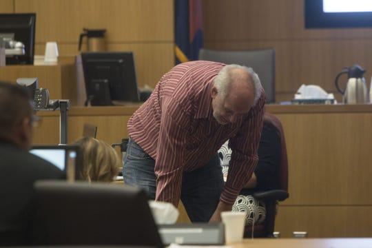 Dr. Philip Keen, a well-known Arizona forensic medical examiner, gives testimony in a 2017 case.