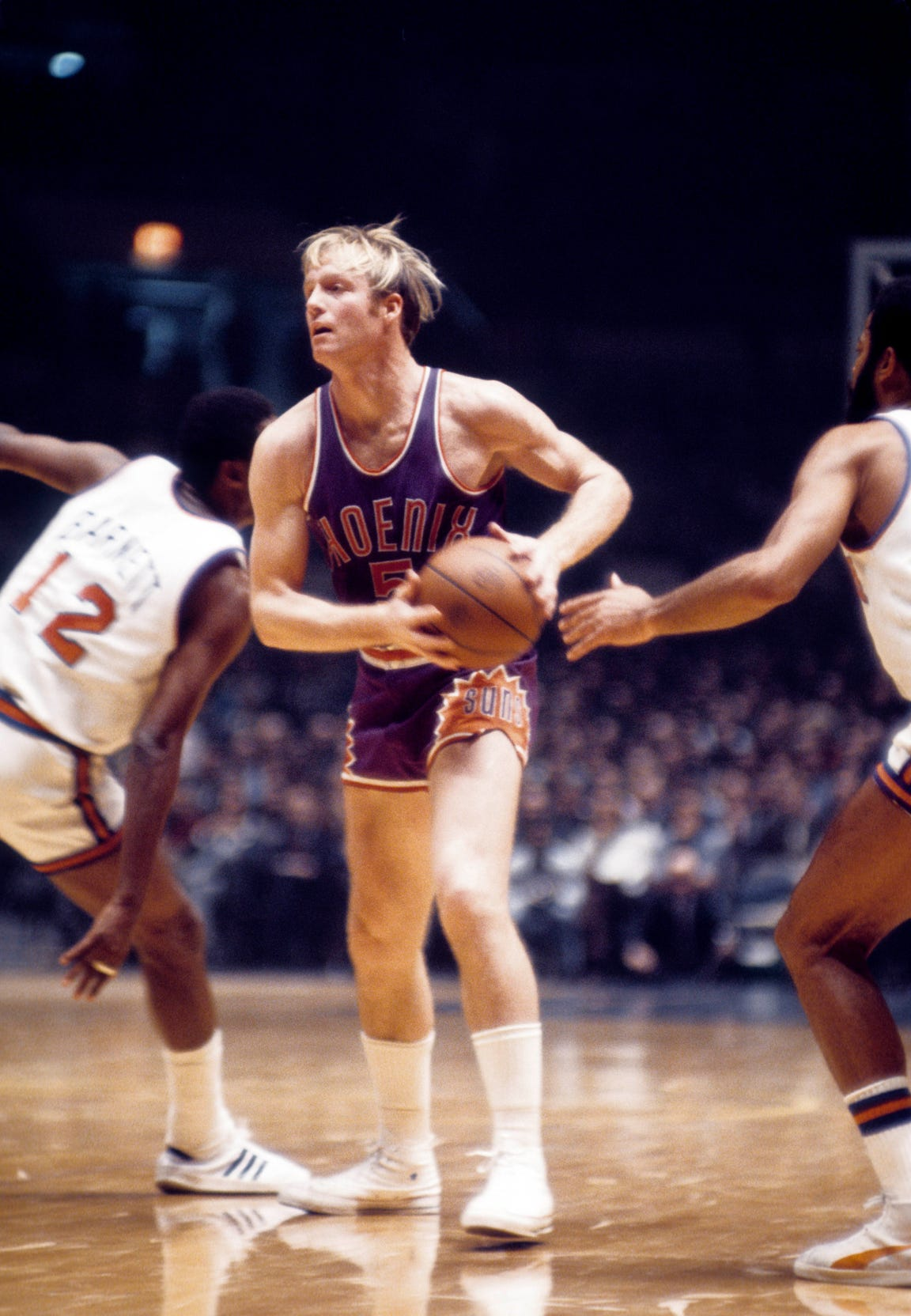 Suns guard Dick Van Arsdale in action against the New York Knicks at Madison Square Garden in 1971.