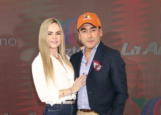 Adal Ramones Y Karla Lavoz