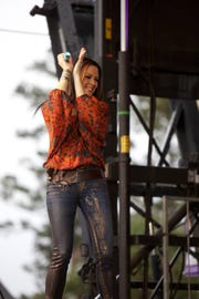 Sara Evans will perform Oct. 12 at the Eichelberger Performing Arts Center in Hanover.