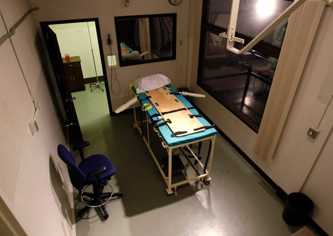 The execution chamber at the Washington State Penitentiary is shown with the witness gallery behind glass at right, in Walla Walla, Wash.