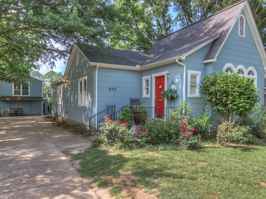740 Linden St.,   Shreveport  Price: $287,900  Details: 4 bedrooms, 2 bathrooms, 2,812 square feet   Special features: Gorgeous updated South Highlands 1938 home with amazing floor plan, central location to shopping and Betty Virginia park.  Contact: Zachery Grant, 861-2461