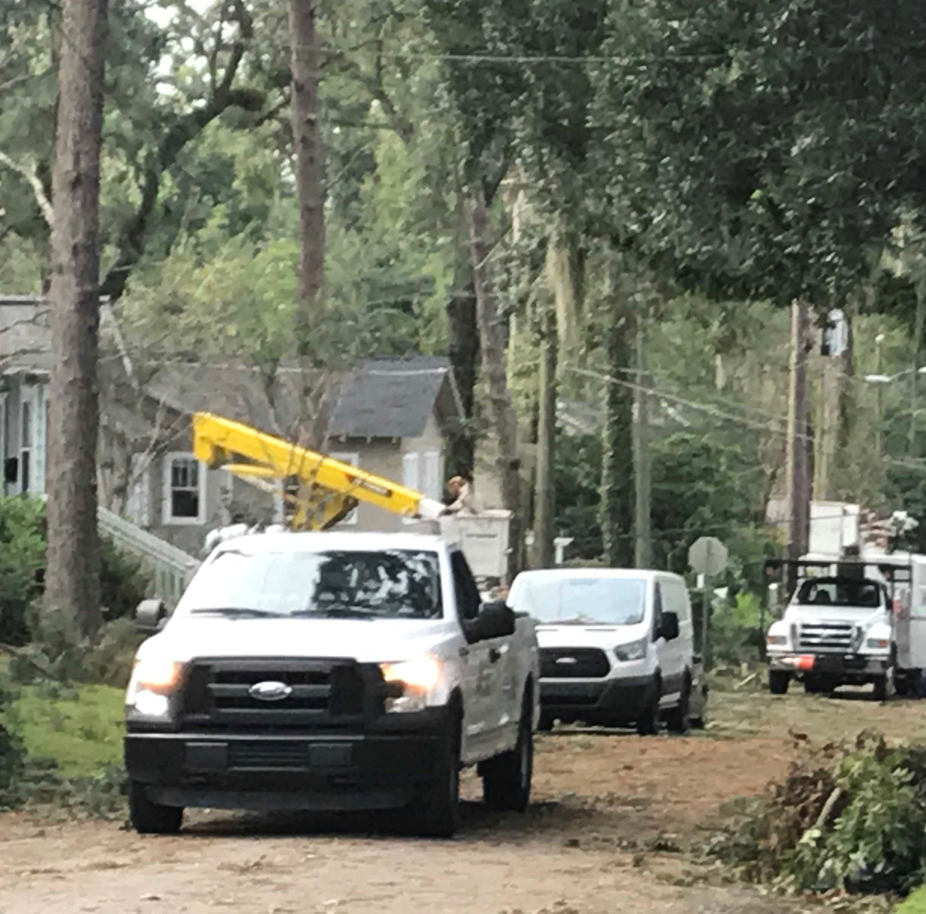 Tallahassee power outages drop below 1,000 customers, now more than 99 percent of city customers have power