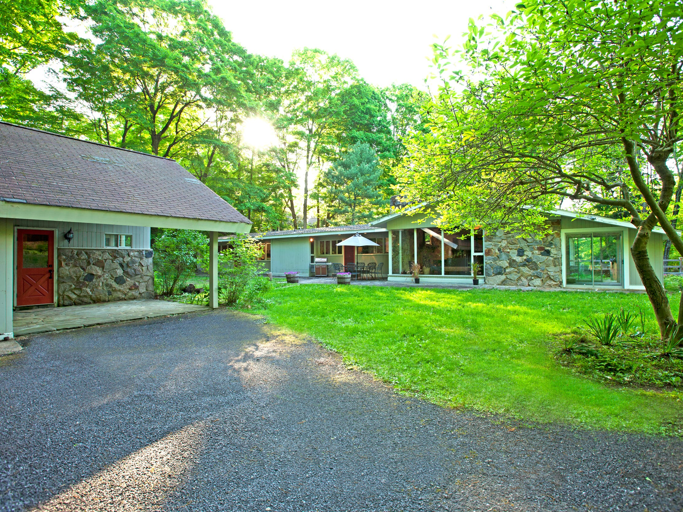 The home has an additional guest house. Howard Cosell once owned this property.