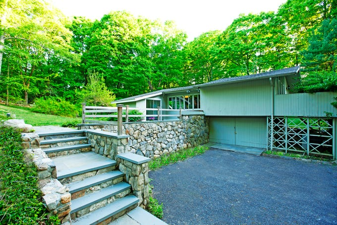 This midcentury modern home on the market in Pound Ridge was once owned by broadcaster Howard Cosell