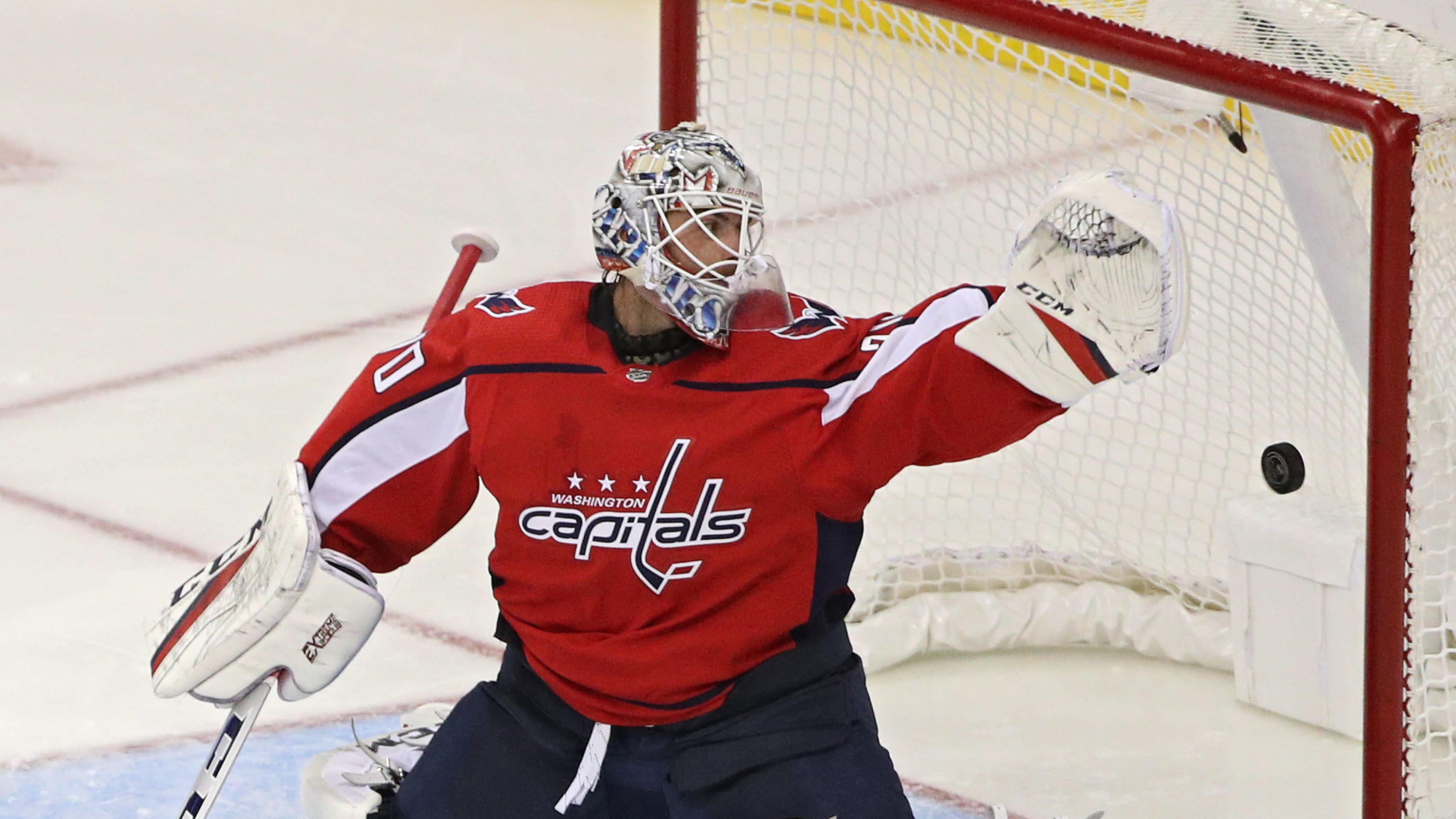 Puck Kid 2: Another Capitals player insists young fan gets prize after man intercepts toss