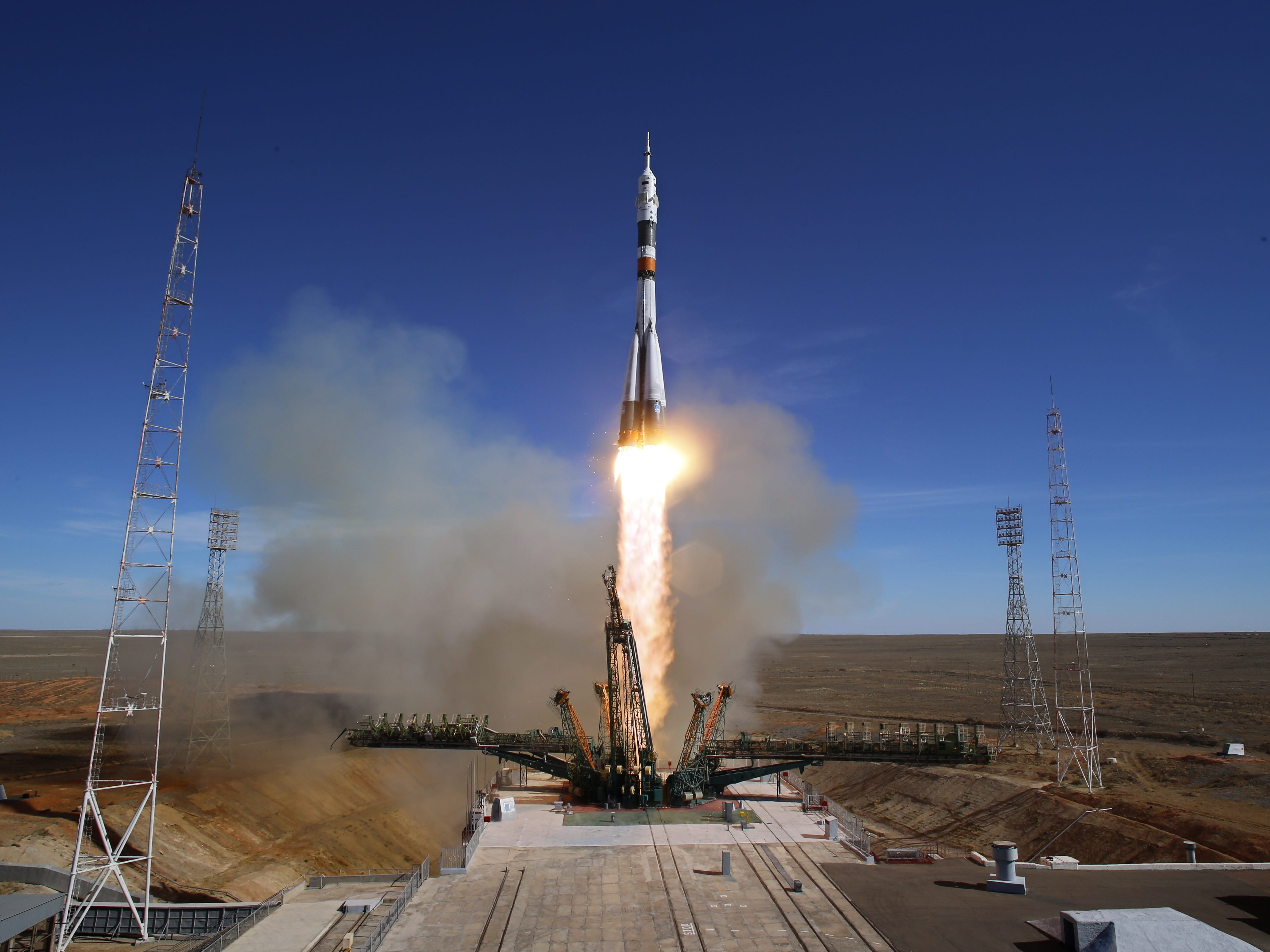 epa07085593 Soyuz booster rocket with the Soyuz MS-10 spacecraft carrying crew members expedition 57/58, Roscosmos cosmonaut Alexey Ovchinin and NASA astronaut Nick Hague to the International Space Station (ISS) takes off from the launch pad at the Russian leased Baikonur cosmodrome, Kazakhstan, 11 October 2018. The Russian Soyuz rocket has malfunctioned on lift-off and has landed safely in Kazahstan, Russian media report.  EPA-EFE/YURI KOCHETKOV ORG XMIT: koch45