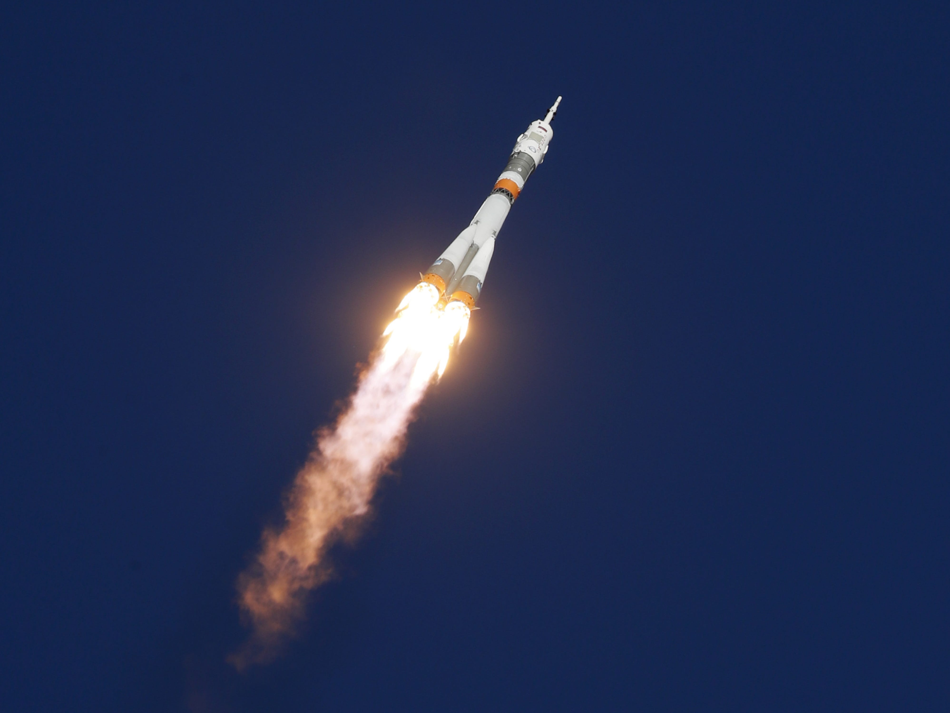 epa07085356 Soyuz booster rocket with the Soyuz MS-10 spacecraft carrying crew members expedition 57/58, Roscosmos cosmonaut Alexey Ovchinin and NASA astronaut Nick Hague to the International Space Station (ISS) after take off from the launch pad at the Russian leased Baikonur cosmodrome, Kazakhstan, 11 October 2018. The Russian Soyuz rocket has malfunctioned on lift-off has landed safely in Kazahstan, Russian media report.  EPA-EFE/YURI KOCHETKOV ORG XMIT: koch45