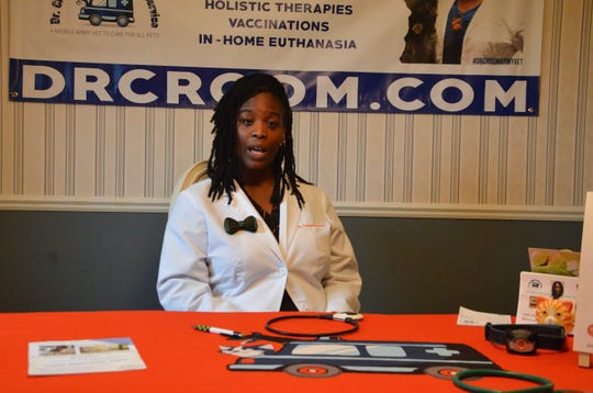Turnera Croom started a Future Veterinarians Program in 2017, where she takes a group of middle and high school students around a pet supply store and talks to them about veterinary medicine, animal care and more.