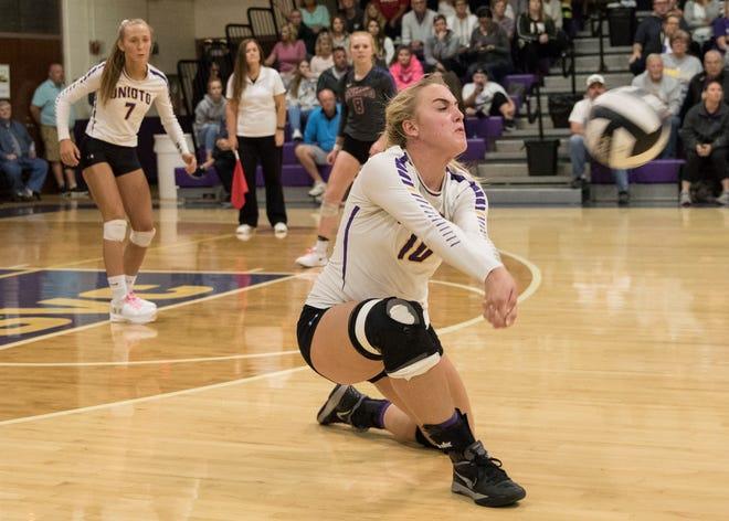 Unioto's Amanda McGlone returns a serve by Southeastern Thursday night at Unioto High School. Unioto defeated Southeastern 3-1 to make them co-SVC champions.