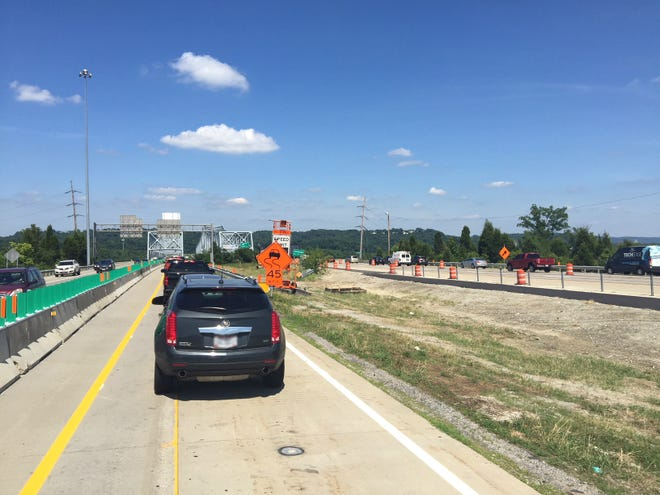 Construction zone on Interstate-275 over the Combs-Hehl Bridge