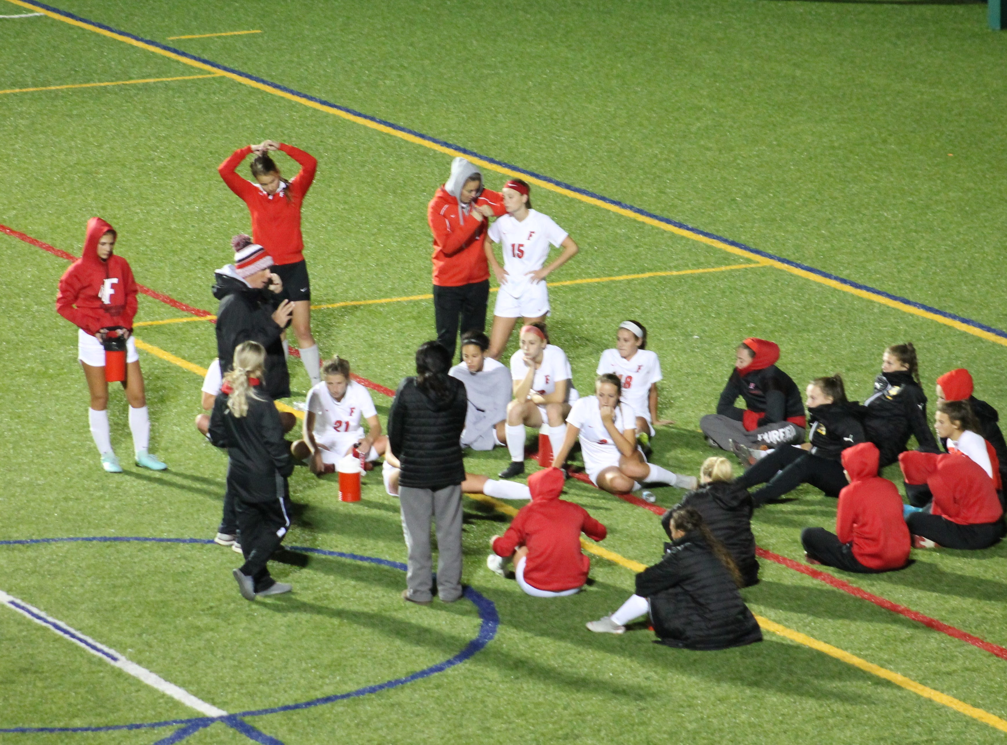 Fairfield tries to regroup at halftime of their GMC match with Mason