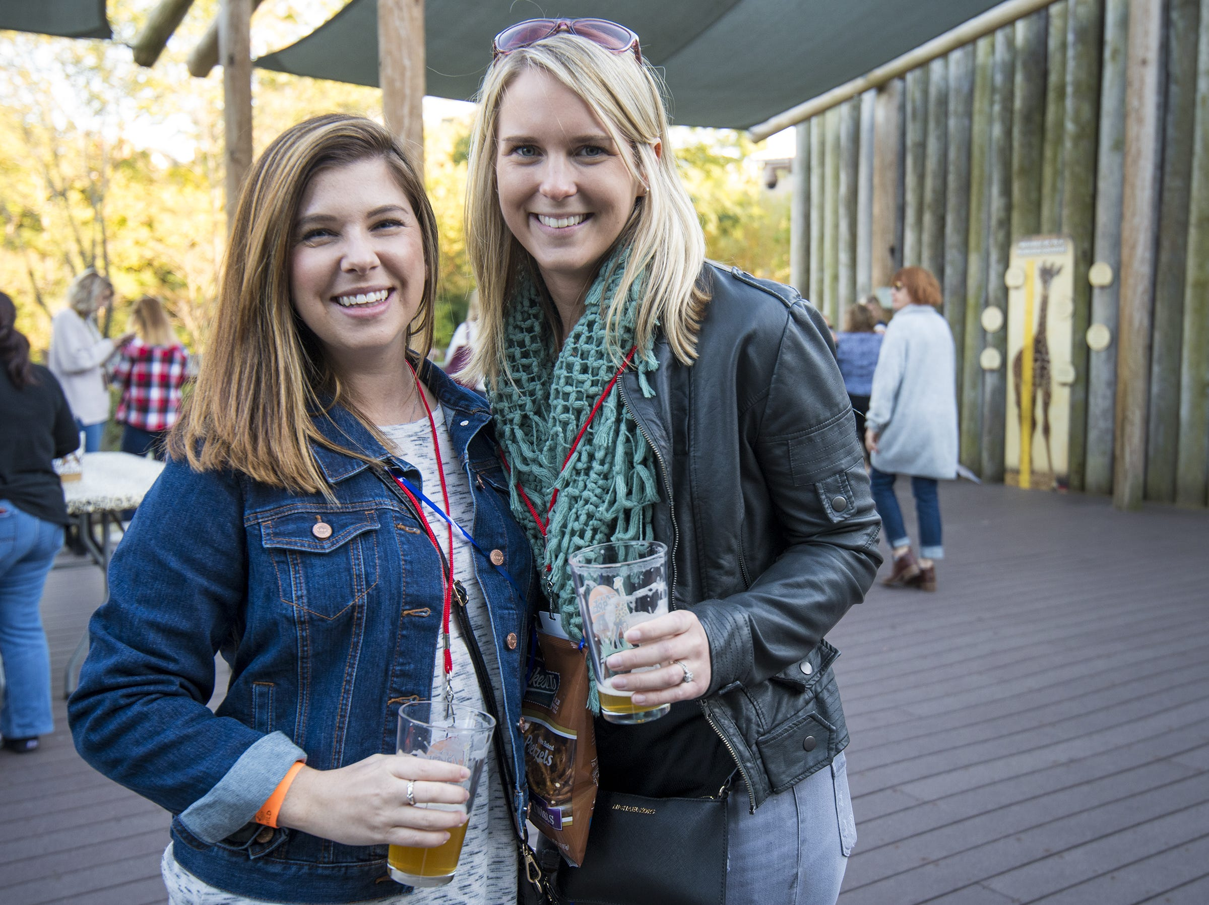 Amanda Schellenberger and Lindsay Dorsino attend Zoo Brew.