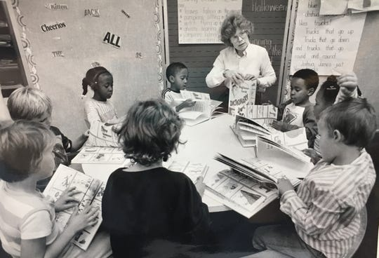 An Oct. 28, 1987 photo of a King Elementary School first grade classroom in Des Moines.