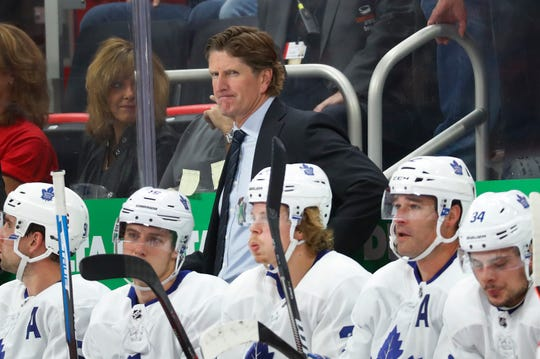 Maple Leafs coach Mike Babcock watches during the first period on Thursday, Oct. 11, 2018, at Little Caesars Arena.