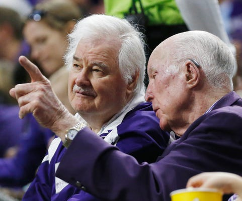 Hall Of Famer Tex Winter Architect Of The Champion Bulls Triangle Offense Dies At 96