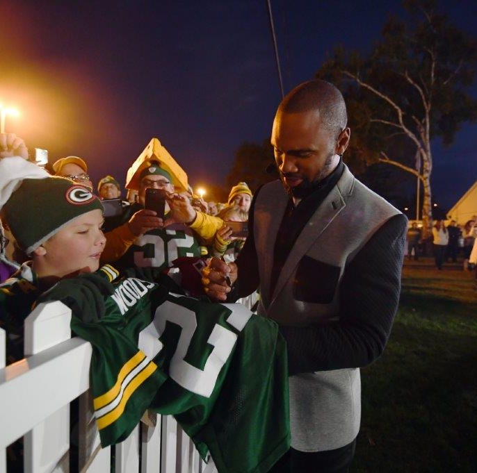 ESPN's 'Monday Night Countdown' coming back for more with Packers fans outside Lambeau