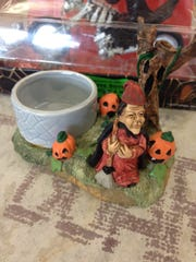 A spooky bowl for Halloween treats!
