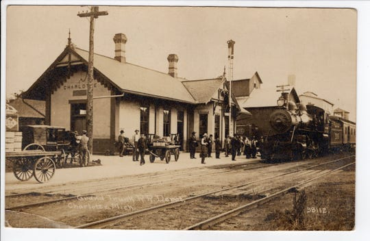 A post card from between 1910 to 1912 shows Charlotte's Grand Trunk Western railroad station.