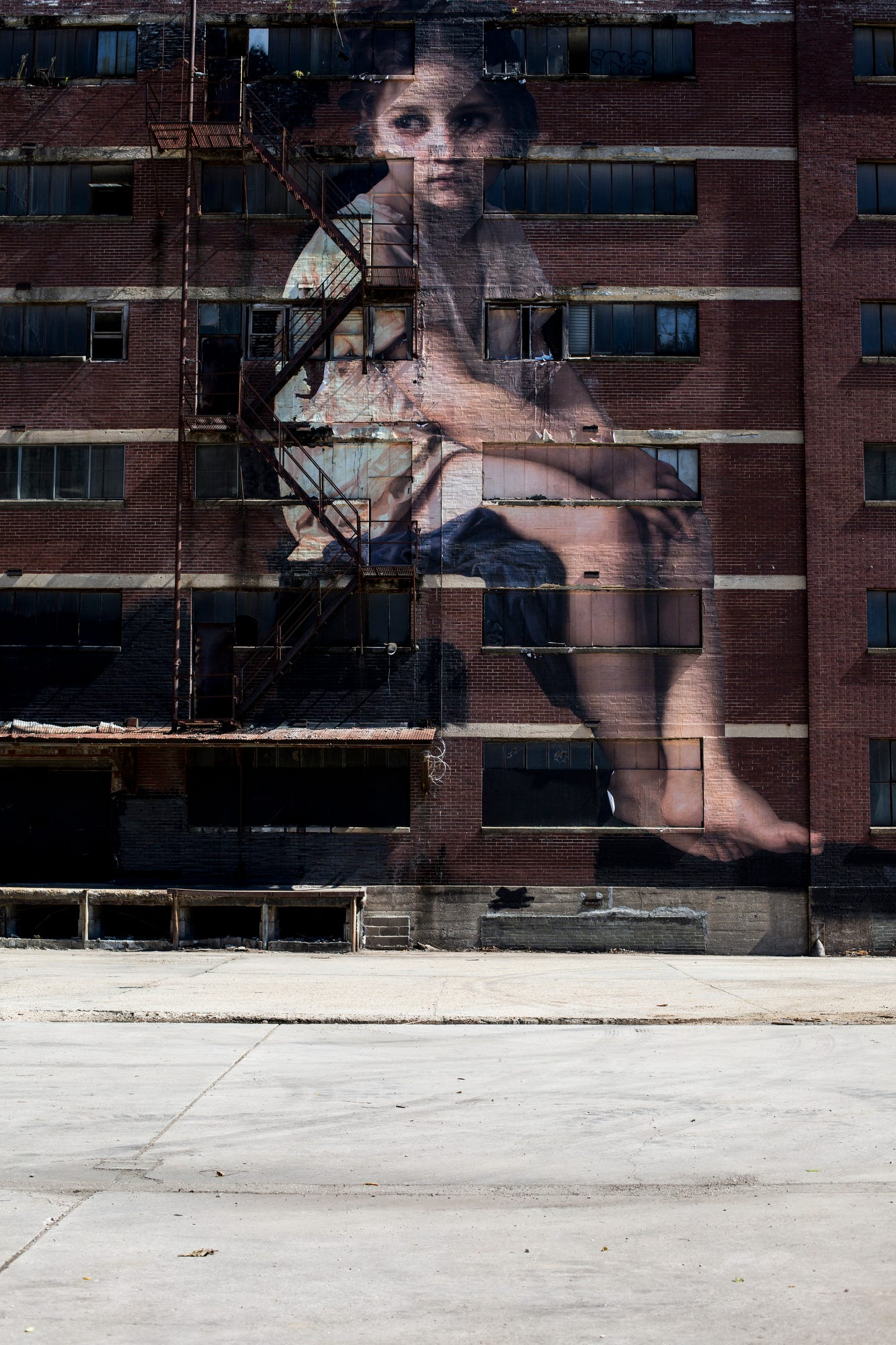 The Beifuss File: Attack of the 60-foot girl (and more outdoor art)   The Commercial Appeal