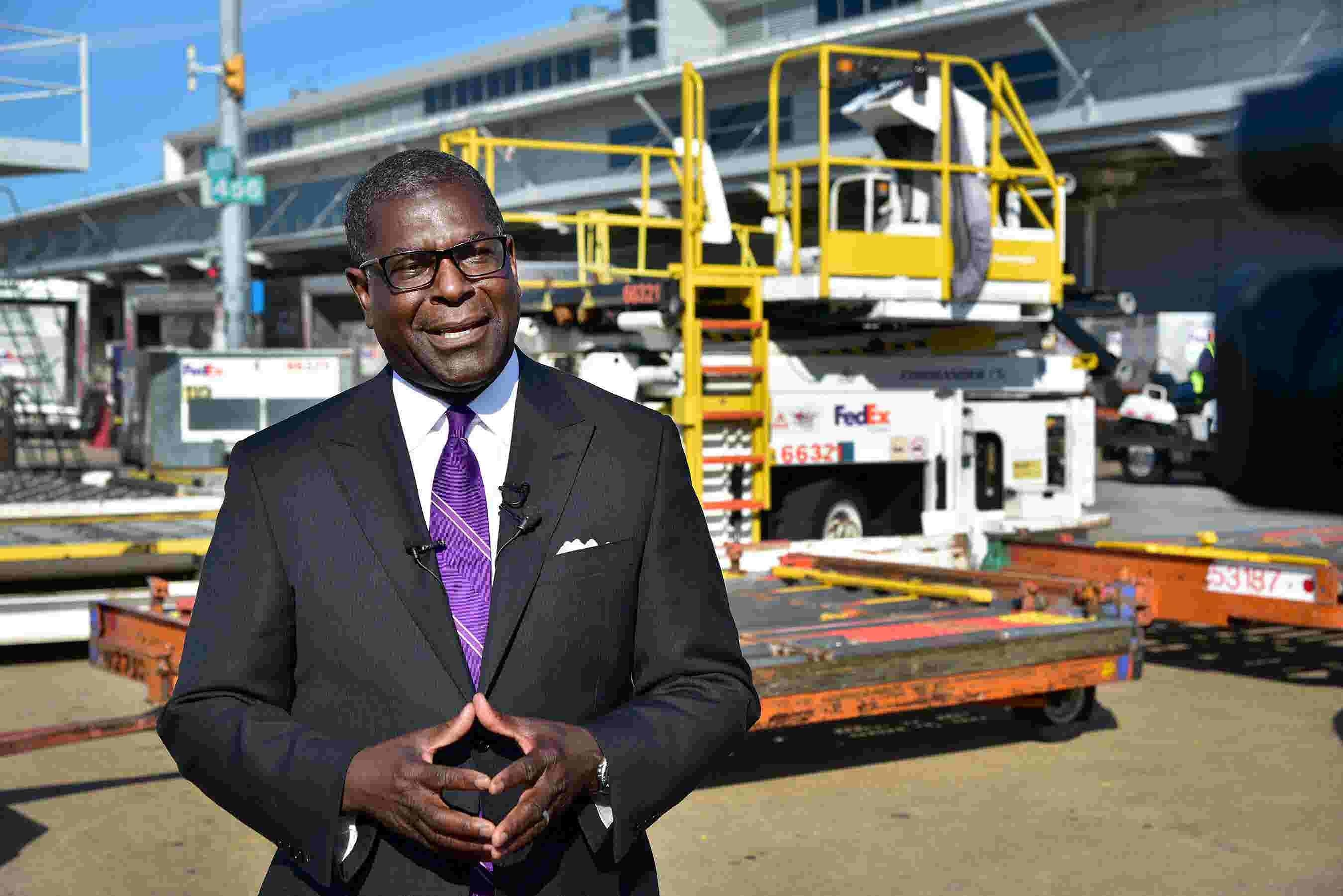 FedEx exec talks adding 3,800 seasonal workers in Memphis