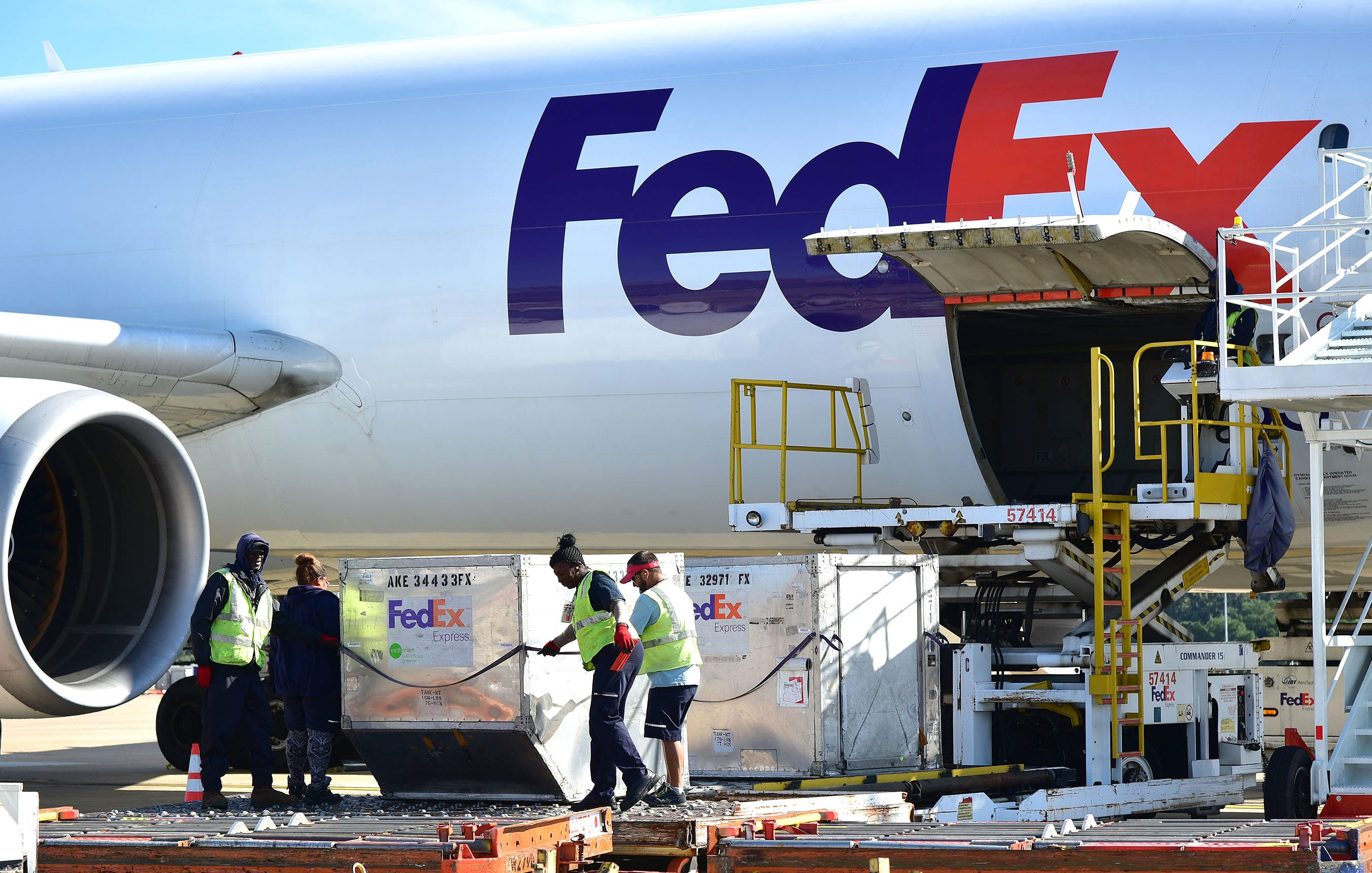 FedEx Ground, UPS and Amazon tap into vehicle recording systems