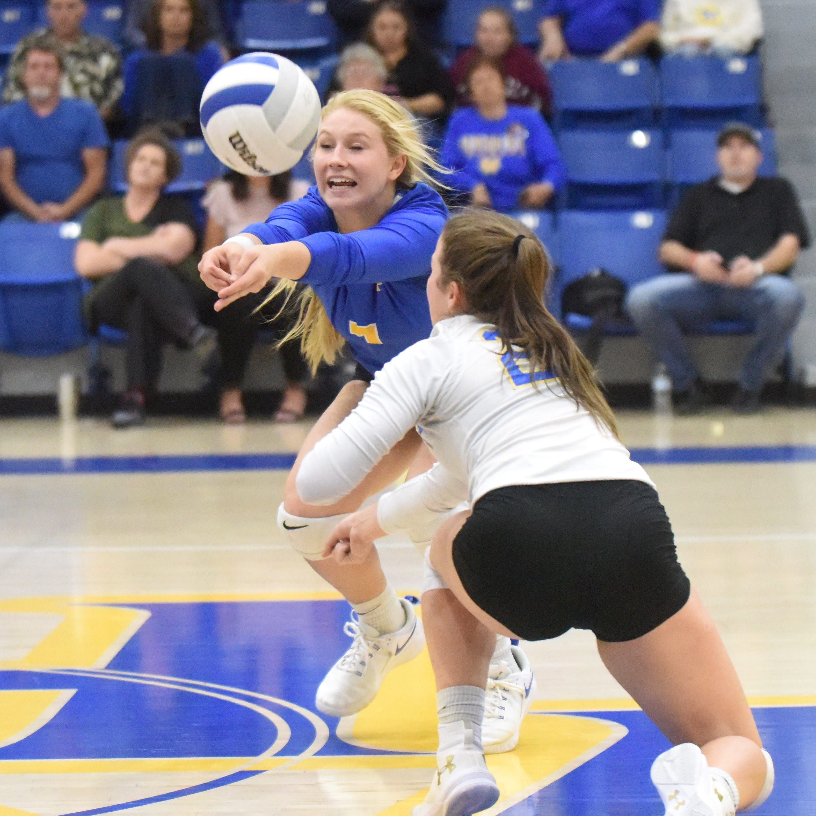 Lady Bombers take win streak into state tourney