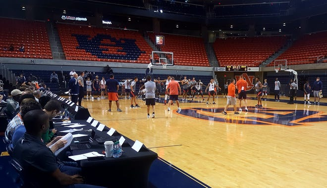 Auburn works out for NBA scouts during Pro Day on Oct. 11, 2018.