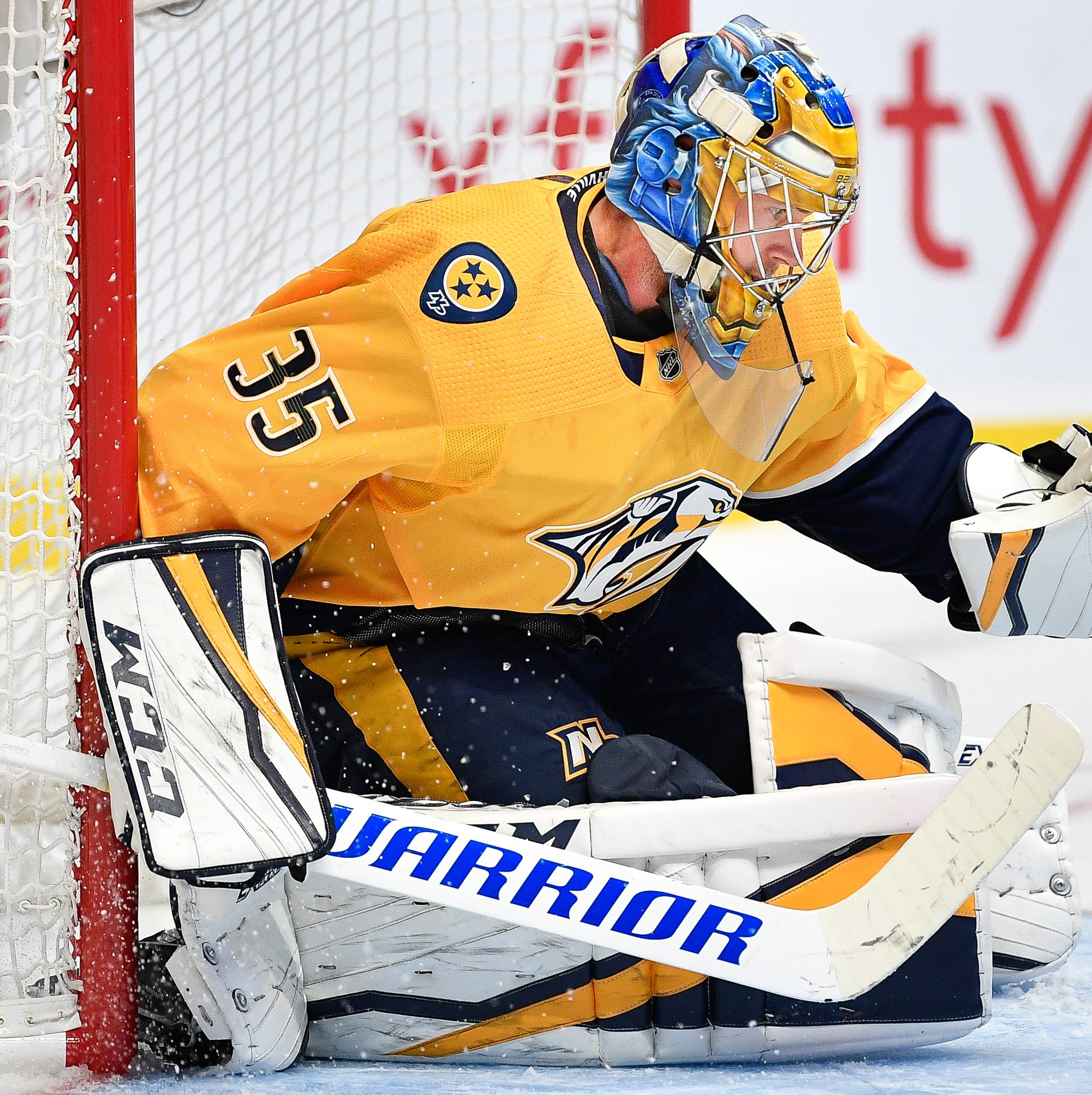 Predators goalie Pekka Rinne leaves game after collision during third period