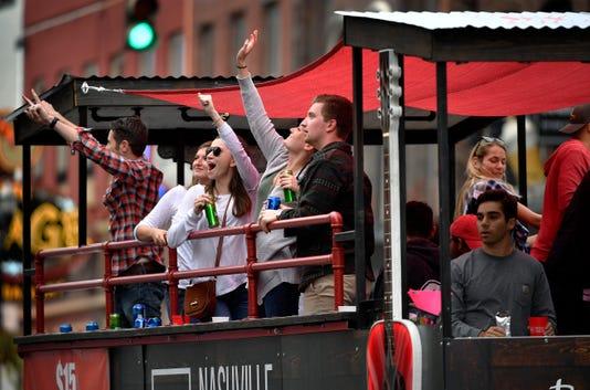 Nas Party Bus 1