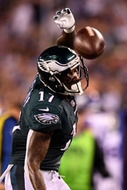 Philadelphia Eagles wide receiver Alshon Jeffery (17) cannot complete a catch in the Eagles endzone in the first half. The New York Giants face the Philadelphia Eagles on Thursday, Oct. 11, 2018, in East Rutherford.