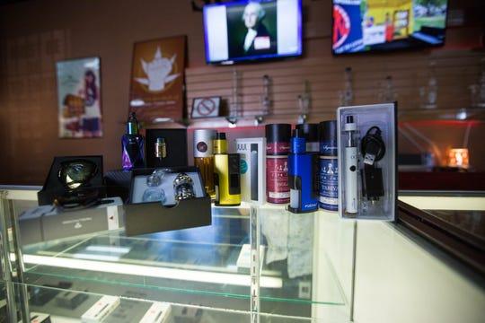 Different types of vaporizors, starter kits, tanks and vape juice at South West Vape.