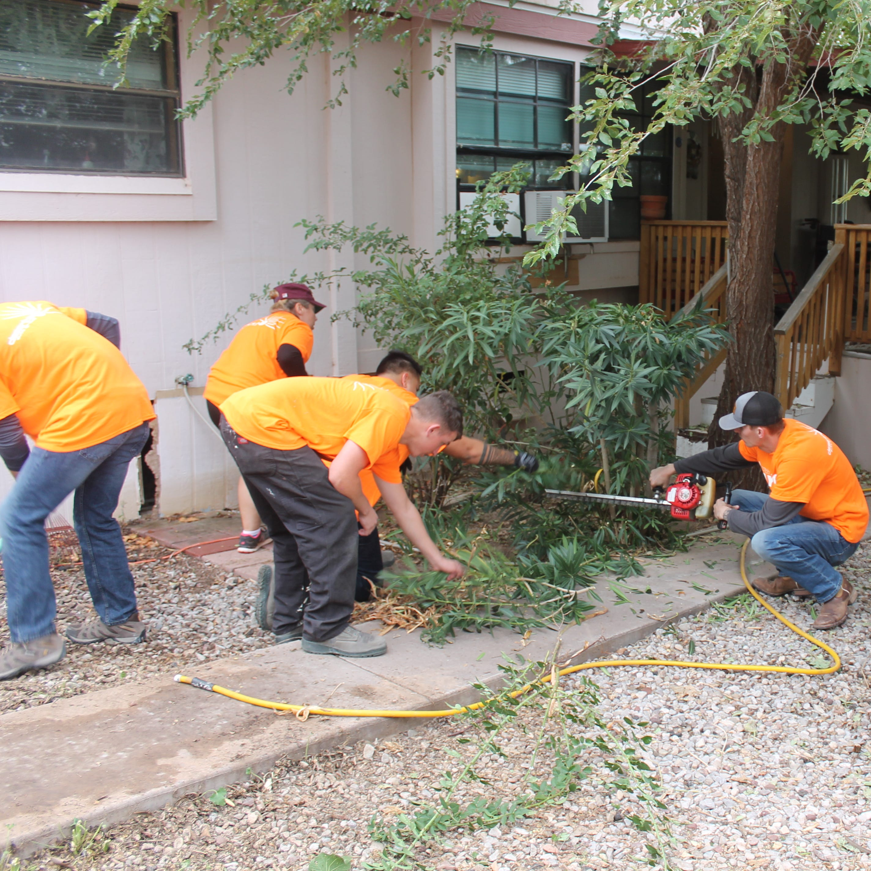400 volunteers help Otero County for annual Day of Caring
