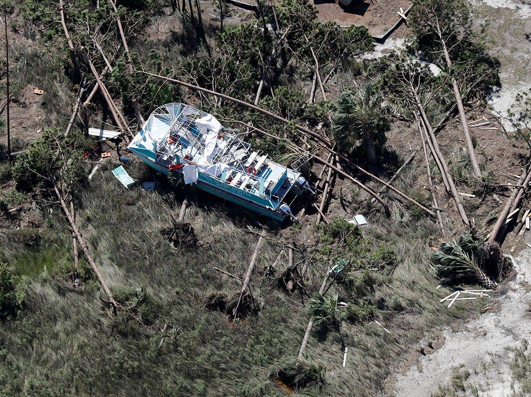 Las casas destruidas por el huracán Michael se muestran en esta foto aérea el 11 de octubre de 2018 en Mexico Beach, Florida. El huracán golpeó con vientos de categoría 4 que causaron daños mayores.