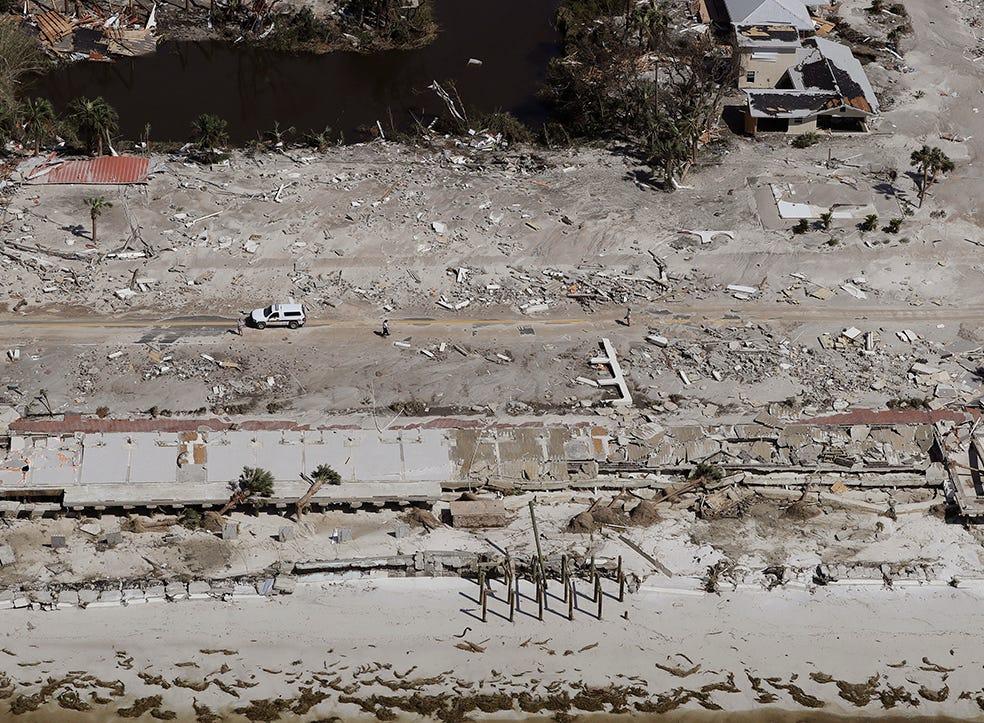 Las casas arrastradas por el huracán Michael se muestran en esta foto aérea el 11 de octubre de 2018, en Mexico Beach, Florida. El huracán golpeó el área con vientos de categoría 4 que causaron daños mayores.