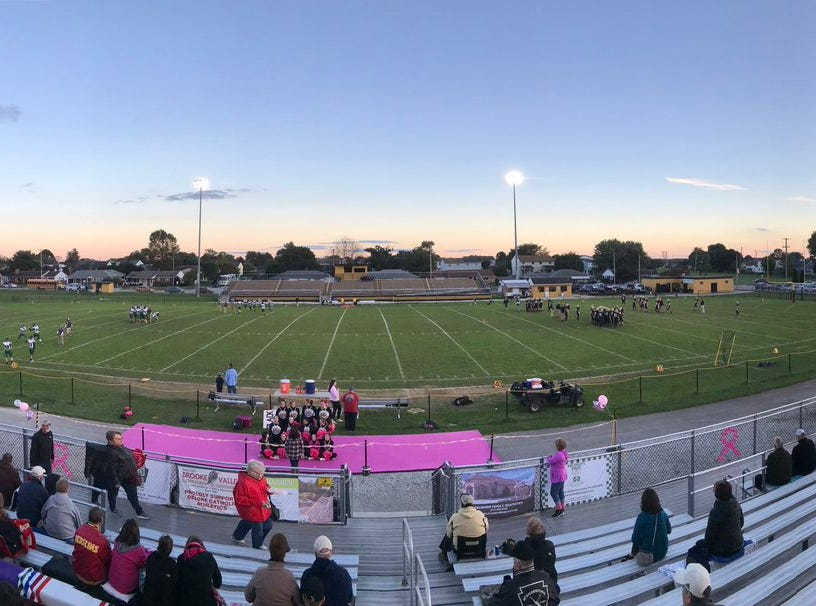 It's a beautiful night for football as Delone Catholic hosts Fairfield.